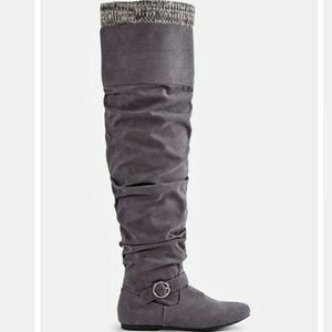 🆕Lovelia Flat Boots!